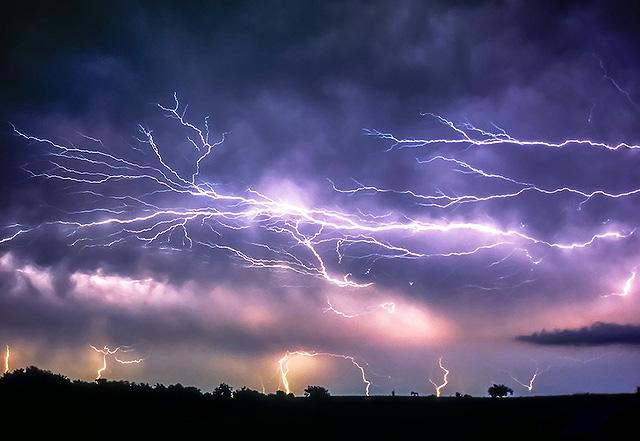 Anvil Crawler lightning, Norman Oklahoma